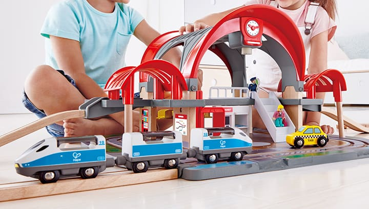 Hape Holzeisenbahn Sets