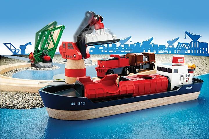 Der große Holzeisenbahn Hafen