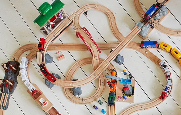 Holzeisenbahn Hersteller
